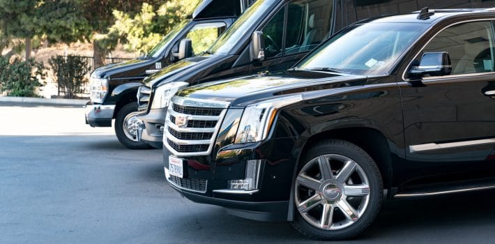 airport transfer service ILS chauffeur Limo luxury fleets